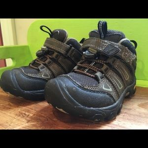 Keens hiking boots